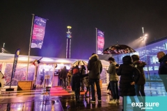eventdressing-vlaggenmasten-entree-exposurepartners